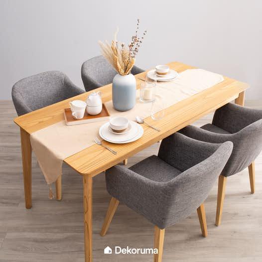 Meja Makan Untuk Empat Orang