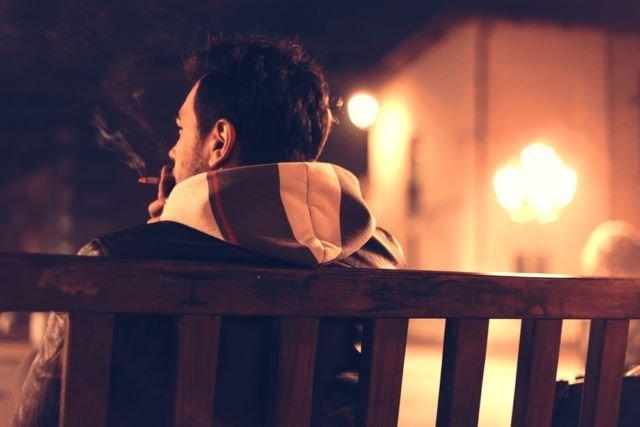 Yakinkan pacarmu kalau merokok itu nggak enak.